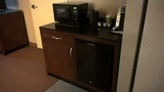 Independence, MO: Refrigerator and Microwave