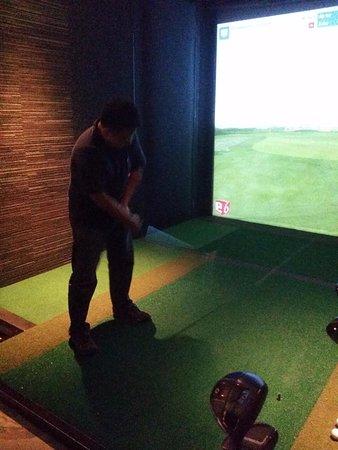 Raffles Place, Singapur: golf simulato
