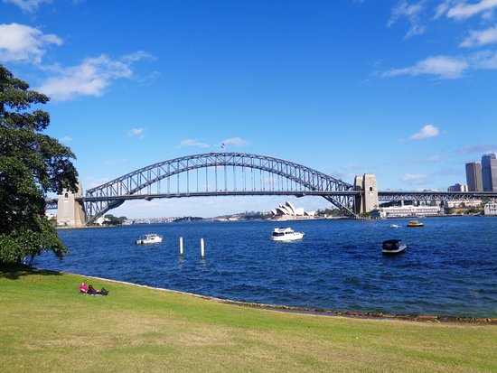 McMahons Point, Australia: Beautiful view from Blues Point Reserve