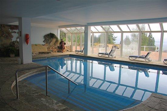 Villa Huinid Resort & Spa: Pileta cubierta y Spa