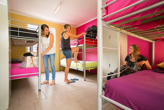 Agnes Water, Australia: 6 Bed Female only or Mixed dorm with private ensuite