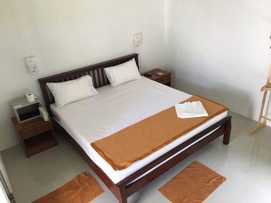 Lanta Triple Novel, Hotels in Ko Lanta