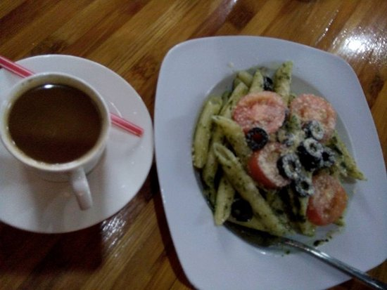 Malaybalay City, Filippinerna: Brewed coffee & Pasta presto