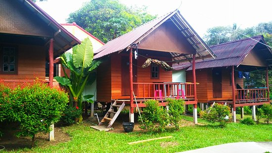 Lanta Nature Beach Resort: Cabañas de madera