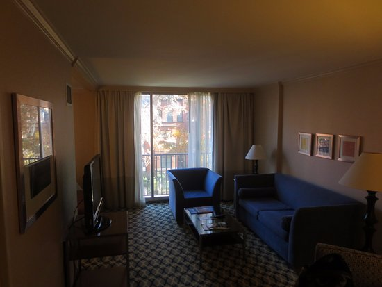 One Washington Circle Hotel: T.V avec 40 chaines