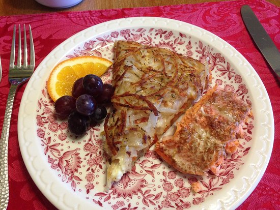 Eastsound, WA: Breakfast, course 2: Rosti and salmon