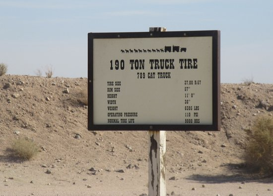 195 Tpm Truck Tire Sign, Boron, Ca