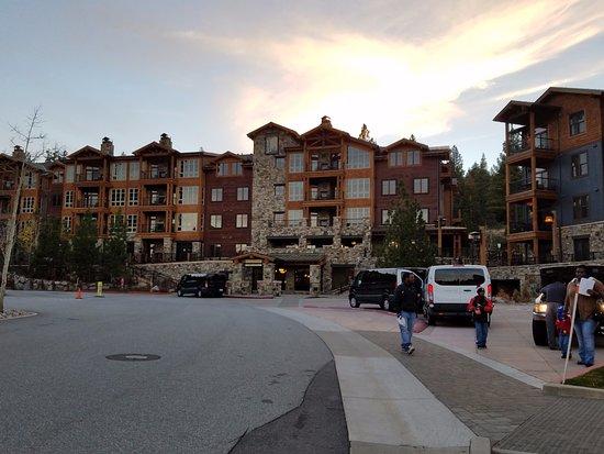 Northstar Lodge by Welk Resorts: Main entrance to resort