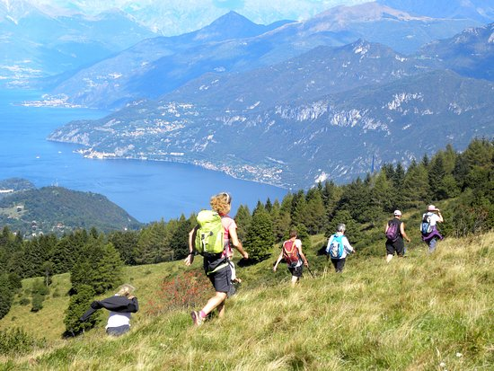 Dongo, Italien: We are always close to clients - Hiking Como Lake