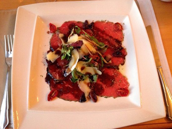 Kuils River, Sudáfrica: Beef carpaccio excellently prepared at Zevenwacht
