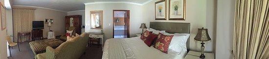 Randburg, Zuid-Afrika: Each room has its unique decor, with en-suite bathroom
