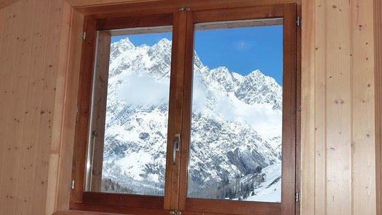 La Fouly, Svizzera: vue depuis la fenêtre de la chambre No.9