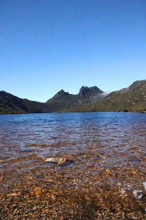 كرادل ماونتين ويلدرنيس فيليج: Centrally located to the entrance of the National Park.