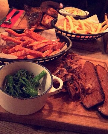 Clapham, UK: Brisket and Ribs