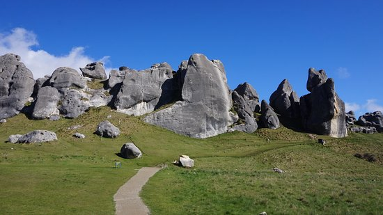 Castle Hill, New Zealand: Rock looks nicer as you got closer to them..