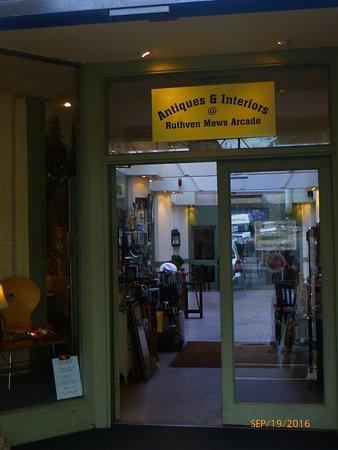 Ruthven Mews Arcade
