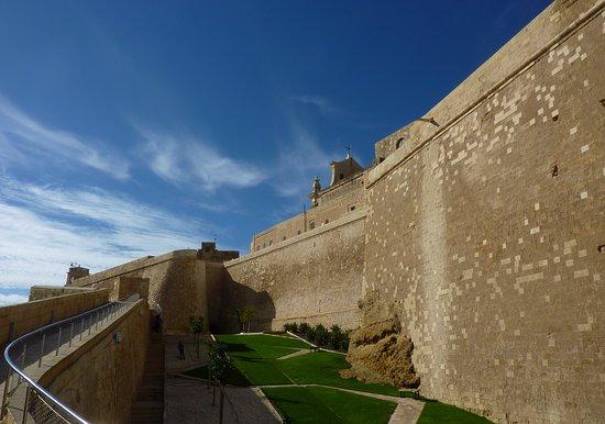 Victoria, Malta: mury cytadeli