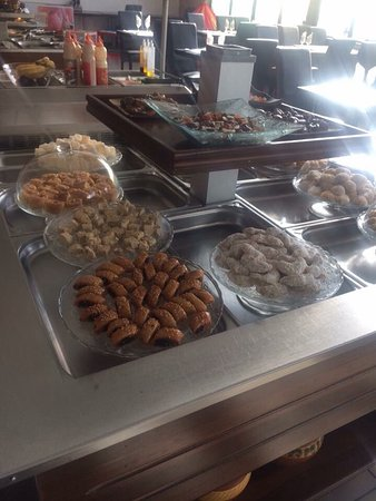 Restaurant delices d 39 orient dans salon de provence - Meilleurs restaurants salon de provence ...