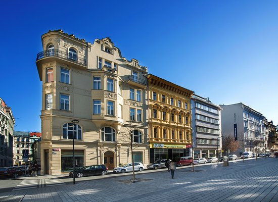 Golden crown hotel 43 7 6 updated 2018 prices for Hotels in prague 1