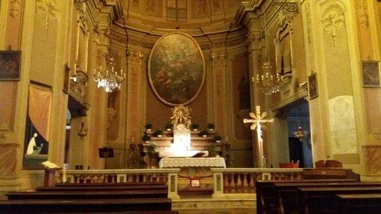 Nichelino, Italie : Interno chiesa