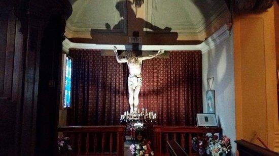 Nichelino, إيطاليا: Interno chiesa