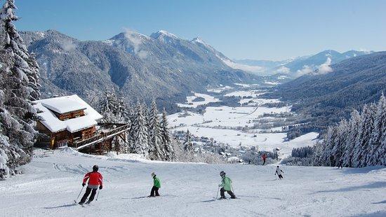 Familienskigebiet Weissbriach, Blick von der Berggeisthütte