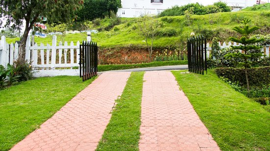 Fortune Retreats Resorts - Ooty: parking