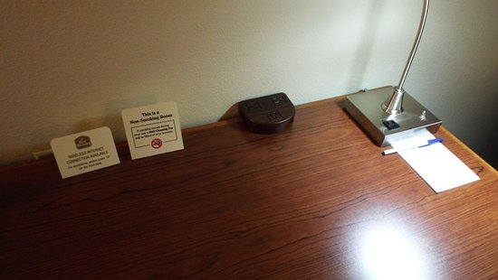 Best Western Tumwater-Olympia Inn: Desk