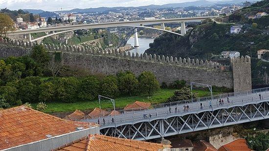 Porto District, Portugal : Vista de janela do andar superior