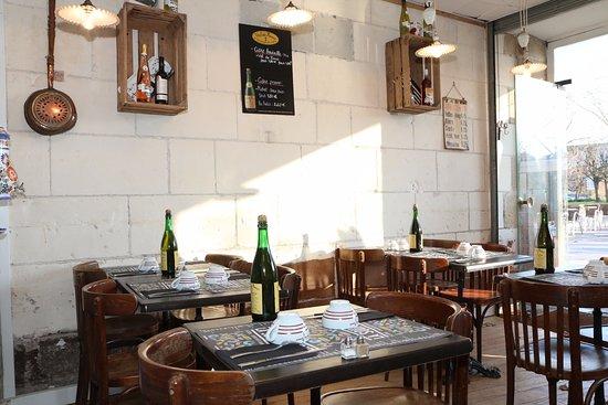 Port Maillard Restaurant