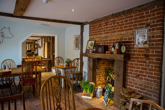 Long Stratton, UK: country cooking