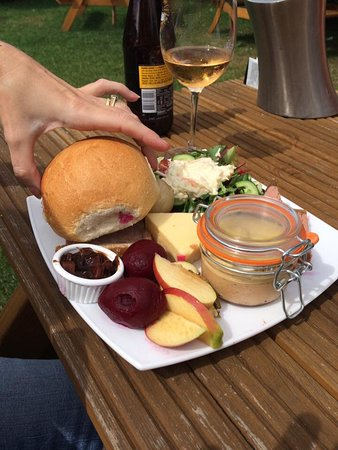 Dartford, UK: The ploughmans