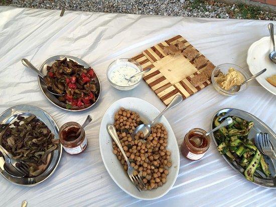 Borgo San Lorenzo, Italia: Buffet dell'aperitivo naturale