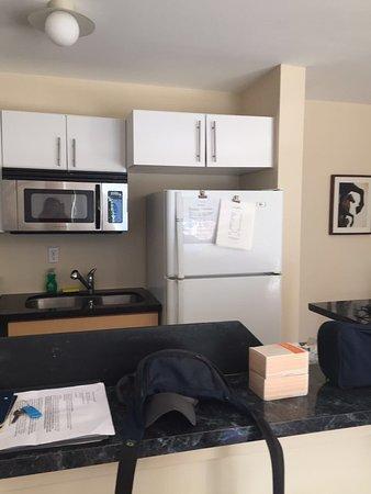 751 Meridian Apartments: photo6.jpg