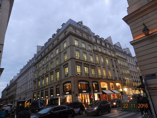 shop of john galliano in rue saint honor picture of rue. Black Bedroom Furniture Sets. Home Design Ideas