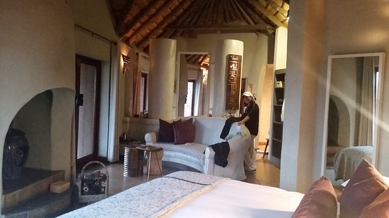 Madikwe Safari Lodge: our room