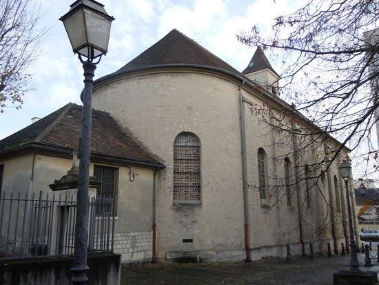 Le Bourget, France: Arrière de l'église
