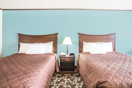 เดเลอวิลล์, เวอร์จิเนีย: 2 Queen Bed Room