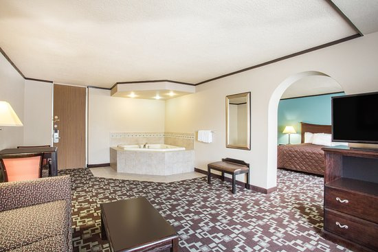 Daleville, Wirginia: King Bed Room/Jacuzzi Suite