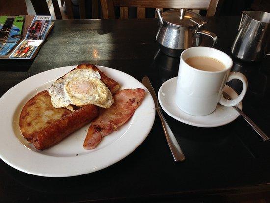 Newry, UK: Mini Fry and Tea