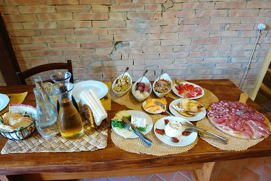 Montaione, Italien: Mtb bike tour with wine & food tasting