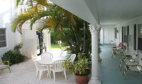 Carriage House Resort In Deerfield Beach Fl
