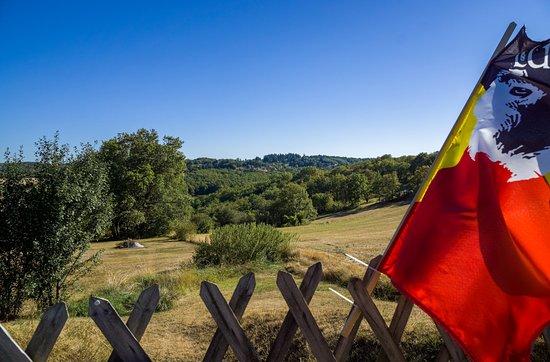 Payrac, Francia: les couleurs de la Belgique au coeur du Lot