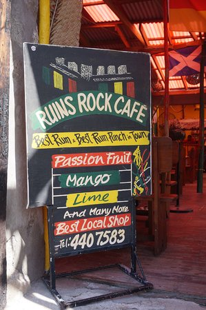 Ruins Rock Cafe: Follow this sign!