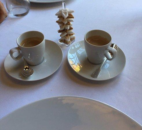 Tremolat, France: καφές