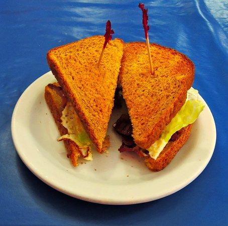 Pulaski, TN: Bacon & egg sandwich