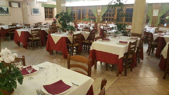 Carsoli, อิตาลี: Visuale completa della 1° sala