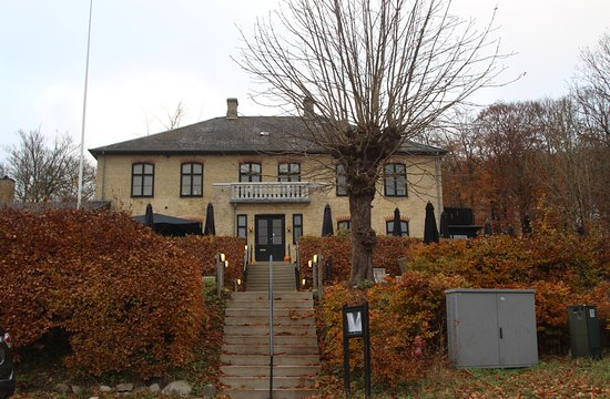 Kongens Lyngby, Dinamarca: Few of the restaurant from the road