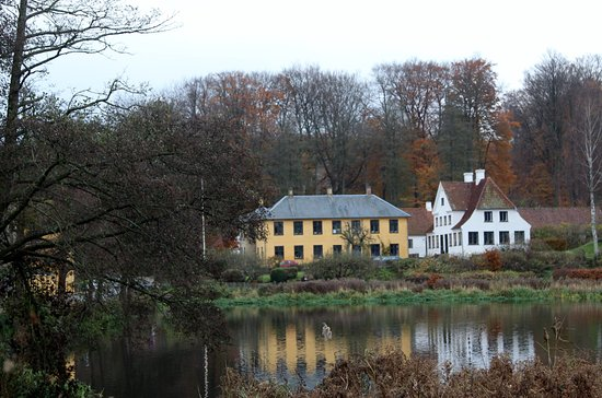 Kongens Lyngby, Dinamarca: View outside the restaurant