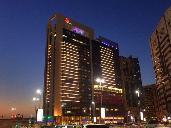 Marriott Hotel Downtown Abu Dhabi Photo